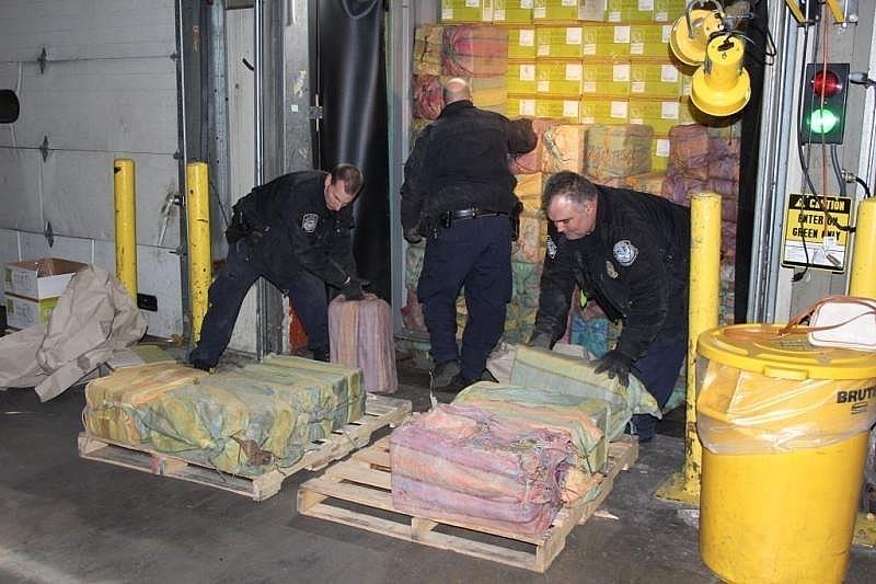 Lực lượng Hải quan Mỹ bắt giữ vụ vận chuyển 1,5 tấn cocaine.