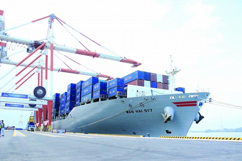 90% hàng hóa xuất nhập khẩu của Việt Nam thông qua cảng biển
