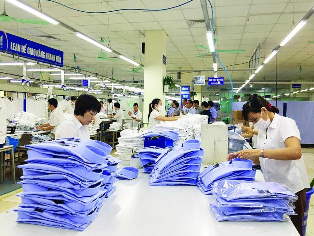 Đơn hàng dồi dào, doanh nghiệp dệt may lo không sản xuất được vì dịch