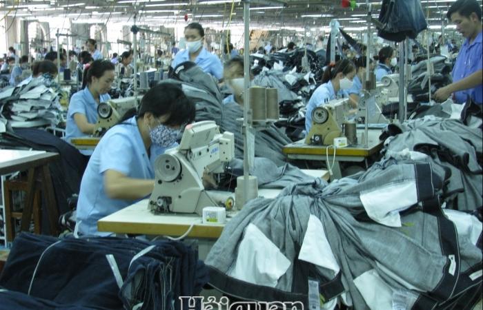 Hàng nhập khẩu thuê gia công  sẽ được xử lý thuế như thế nào?