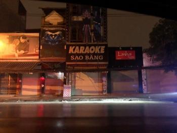 Để quán karaoke hoạt động giữa dịch Covid-19, Chủ tịch phường bị đình chỉ