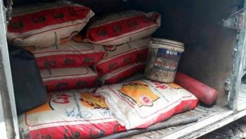 Bắt giữ 11 xe ô tô vận chuyển gạo lậu