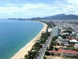Khách du lịch Nha Trang sẽ được đi xe buýt điện miễn phí