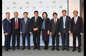 Tổng Thư ký Tổ chức Hải quan thế giới tiếp Phó Thủ tướng Vương Đình Huệ