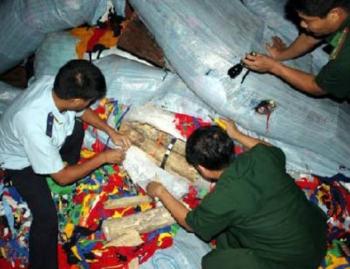 Hơn 1.000 kg ngà voi xuất lậu bị bắt giữ như thế nào?