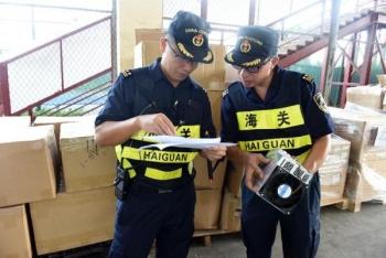 Hải quan Trung Quốc phát hiện 2 container hàng điện tử nhập lậu