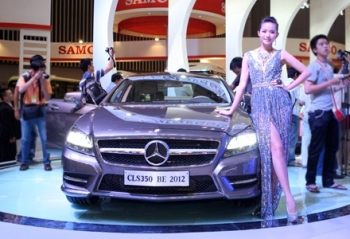 Mercedes Benz giới thiệu 2 mẫu xe thể thao mới
