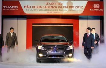 Trường Hải giới thiệu hai mẫu xe mới