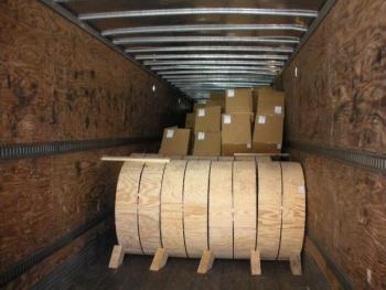 Hơn 2,7 tấn cần sa trong lô hàng sợi cáp quang