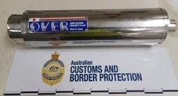 Bắt 3 đối tượng nhận bưu kiện chứa ma túy