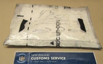 Bắt giữ 3kg cocaine trong vali