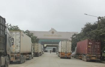 Thủ tướng yêu cầu tiếp tục thông quan hàng hóa tại các cửa khẩu