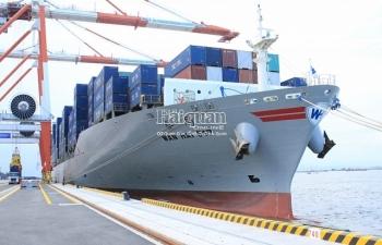 Hải quan làm thủ tục cho 90.000 container ở cảng container quốc tế Hải Phòng