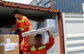 """Khám xét container tủ lạnh, hàng gia dụng về từ Đức """"bị bỏ rơi"""" ở cảng Hải Phòng"""