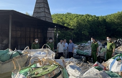 Phát hiện cơ sở tái chế trái phép hàng chục tấn chất thải điện tử