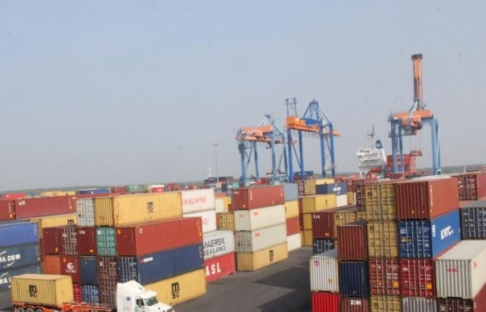 Nhiều nhóm hàng xuất nhập khẩu chủ lực đua nhau giảm tốc