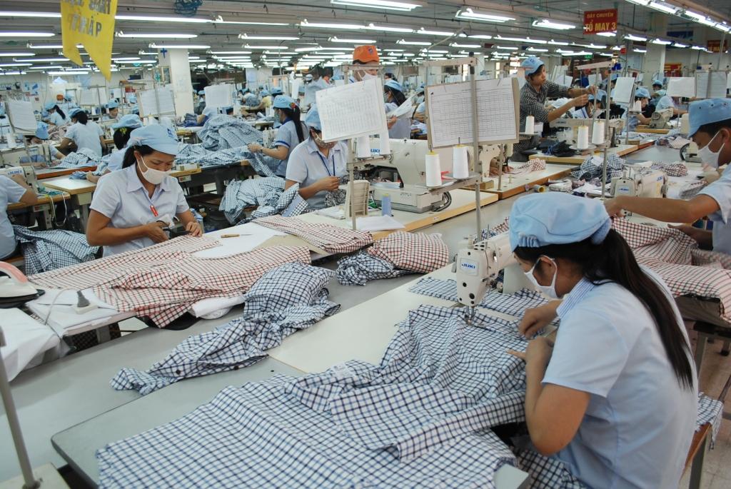 Hơn 50% nguyên, phụ liệu dệt may, da giày nhập khẩu từ Trung Quốc