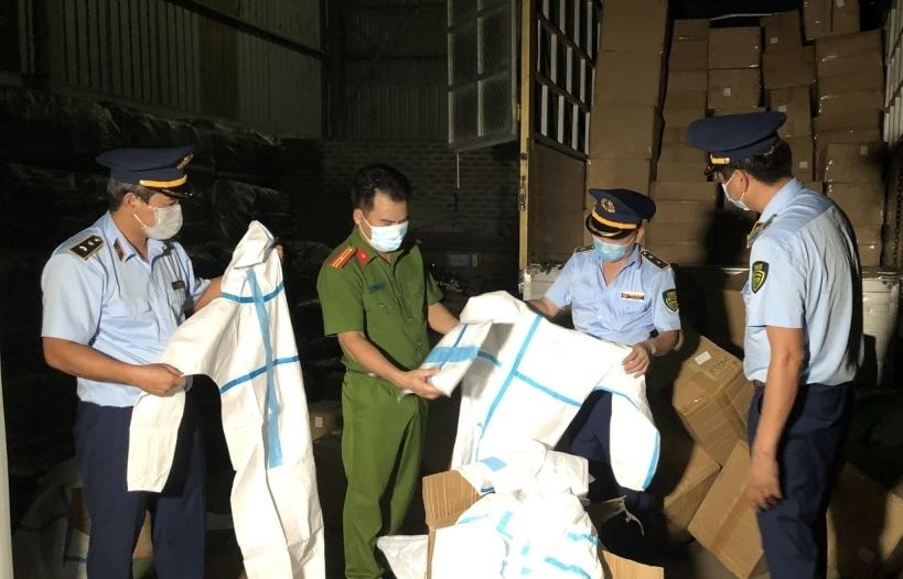 Lào Cai: Khởi tố 200 vụ với gần 300 đối tượng liên quan đến buôn lậu, hàng cấm