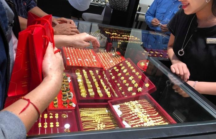 Giá vàng đi ngang, duy trì ở ngưỡng trên 55 triệu đồng/lượng