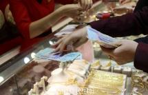 Giá vàng lại tăng mạnh, vượt 45 triệu đồng/lượng
