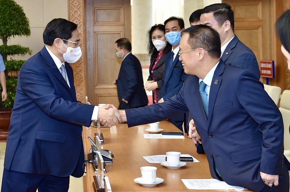 Thủ tướng Chính phủ gặp mặt doanh nhân nhân Ngày Doanh nhân Việt Nam (13/10). Ảnh: VGP