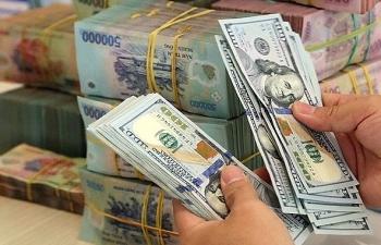 Vàng lại giảm 200.000 đồng mỗi lượng, USD đứng yên