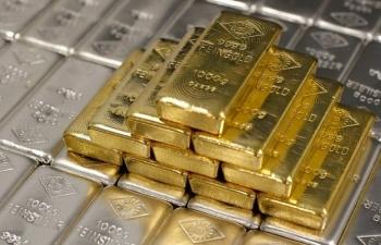 Giá vàng tiếp tục leo đỉnh những ngày cuối năm