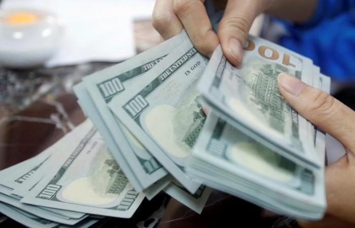 Giá USD tăng mạnh, đẩy giá vàng đi xuống