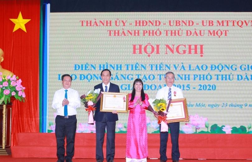NutiFood đón nhận Huân chương Lao động hạng 3
