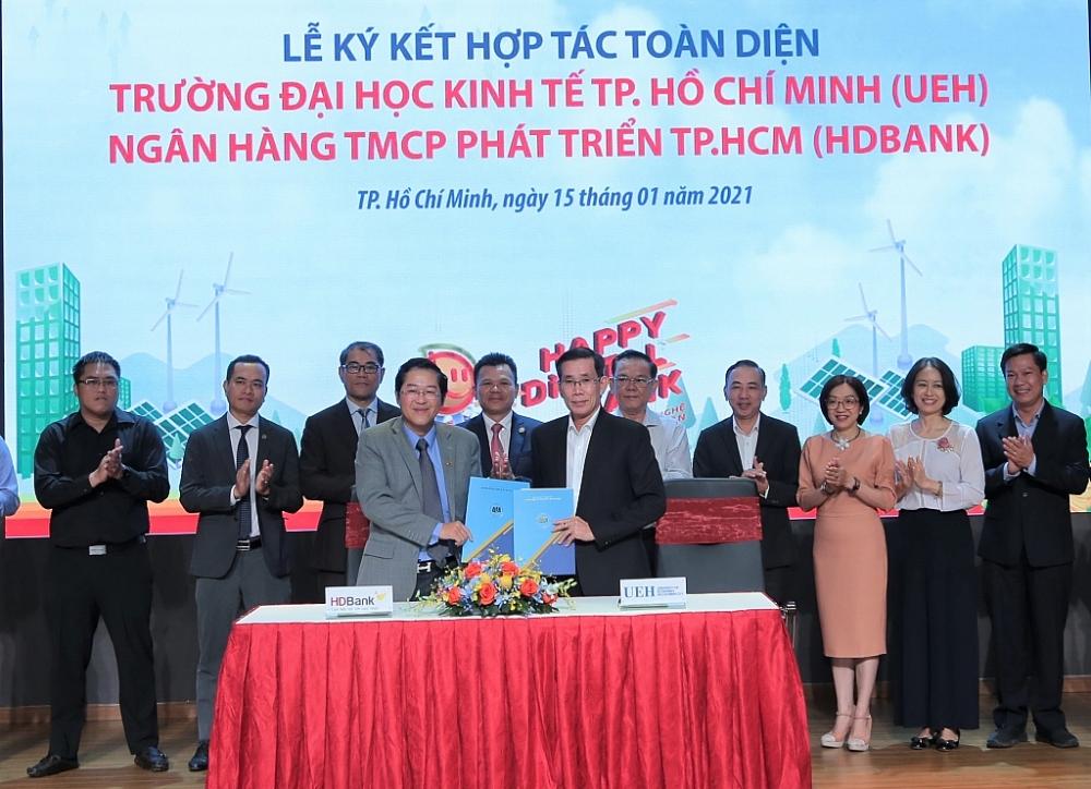 Lễ ký kết giữa HDBank với Đại học Kinh tế TPHCM