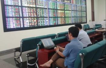 Gần 50 cổ phiếu nằm trong diện cảnh báo, kiểm soát trên sàn HoSE