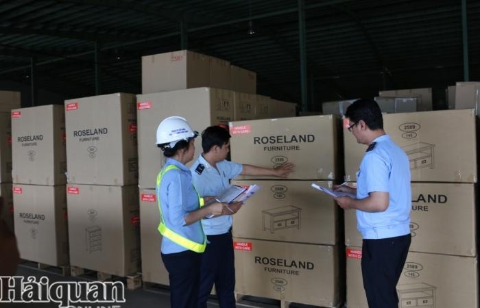 Vướng mắc trong quản lý hải quan đối với hàng hóa vận chuyển độc lập