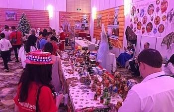 Cơ hội mua sắm tại hội chợ từ thiện do Tổng Lãnh Sự của các nước tổ chức