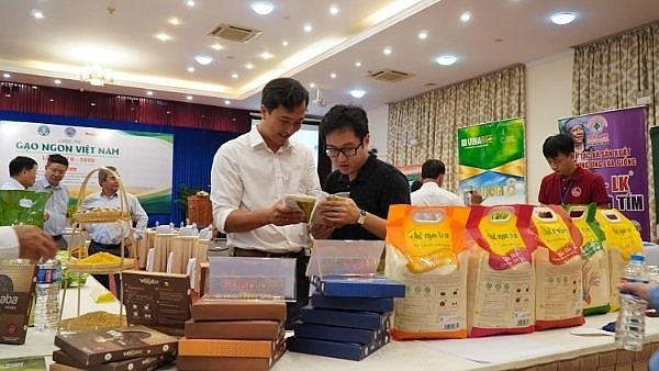 Cần có giải pháp và chính sách cho phát triển chế biến sâu sản phẩm từ lúa gạo, từ đó tăng tỷ lệ xuất khẩu các sản phẩm chế biến. Ảnh: Nguyễn Hiền