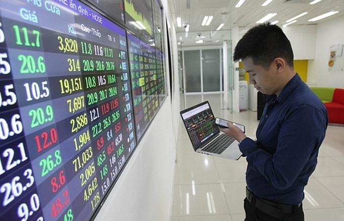 Nên gia tăng tỷ trọng giải ngân vào cổ phiếu thép, chứng khoán, ngân hàng và bất động sản