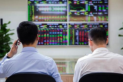 Cổ phiếu vốn hóa lớn có thể sẽ luân phiên tăng giá, tạo lực kéo VN-Index lên các tầm cao mới