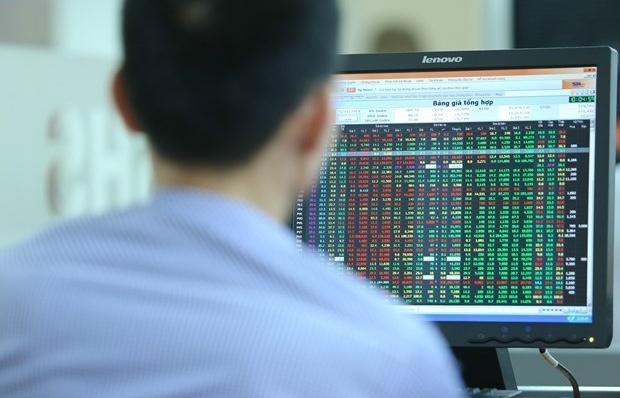 VN-Index chưa thành công khi kiểm định ngưỡng 1.400 điểm do thiếu sự đồng thuận từ các cổ phiếu lớn