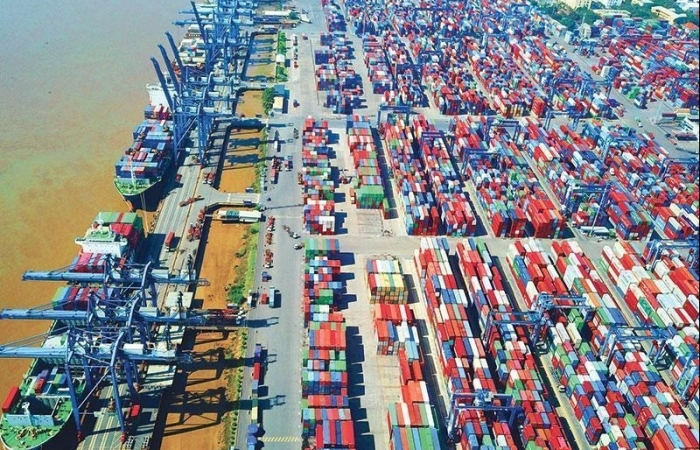 Việt Nam xuất siêu gần 12 tỷ USD trong 8 tháng