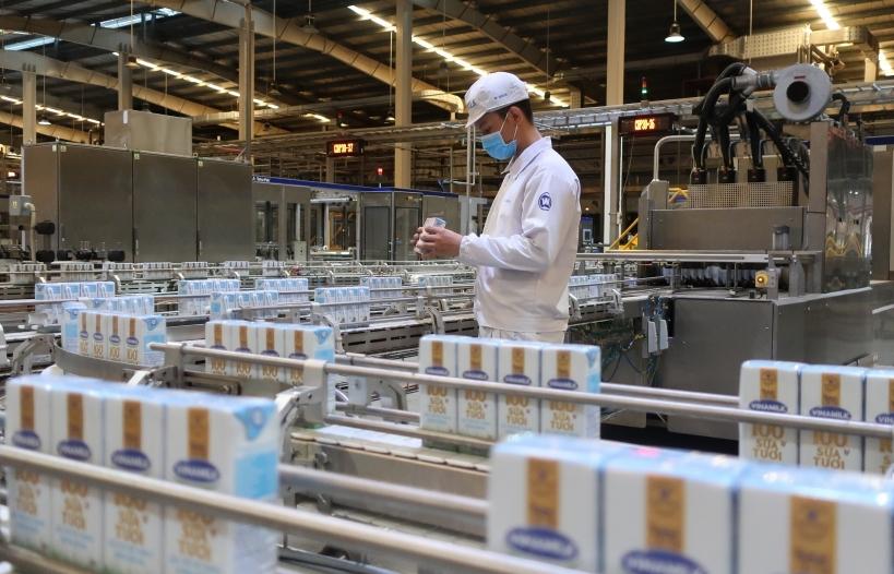 Vinamilk liên tục dẫn đầu ngành hàng sữa nước nhiều năm liền