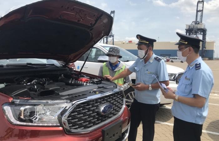 Gần 20.000 xe ô tô nhập khẩu qua cảng SPCT