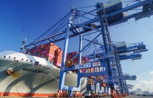 TCIT đạt kỷ lục sản lượng xếp dỡ trên tàu mẹ cao nhất Việt Nam