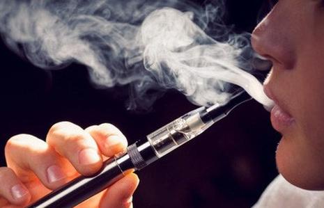 """""""Thả"""" thuốc lá thế hệ mới đến bao giờ?"""
