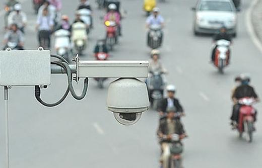 Camera giao thông không chỉ để phạt nguội