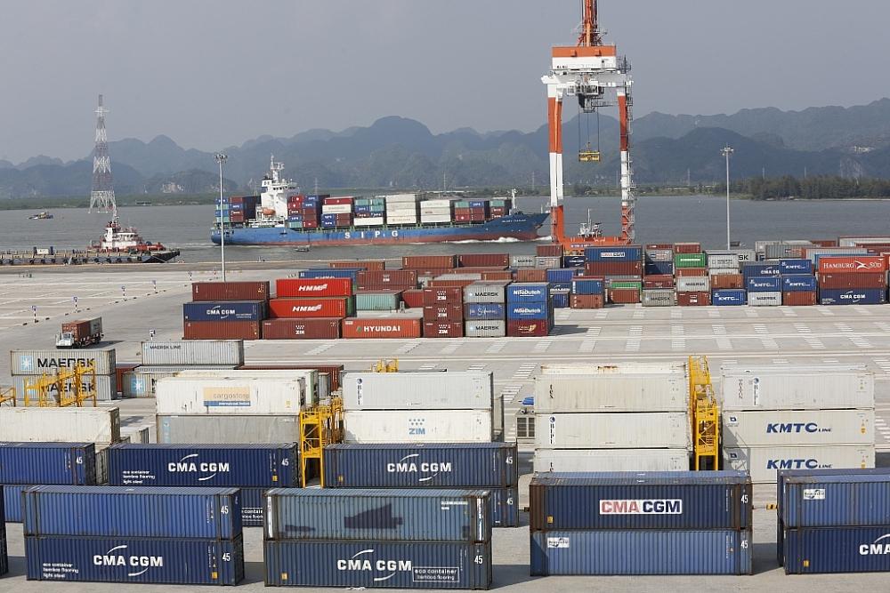Ngành Logistics đào tạo nguồn nhân lực có kỹ năng thực hành thành thạo về giao nhận và vận chuyển hàng hóa, nghiệp vụ kho bãi hàng hóa, nghiệp vụ hải quan. Ảnh: TKTS