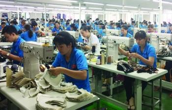 Xuất khẩu hàng công nghiệp chế biến tăng mạnh, khoáng sản
