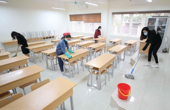 Mở cửa trường học