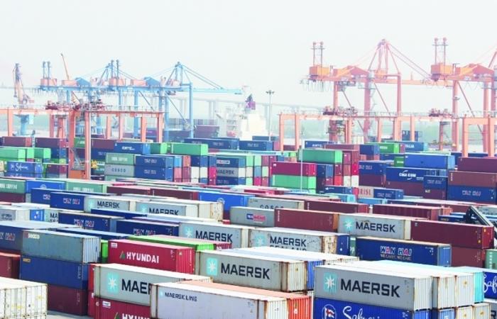 Xử lý phế liệu tồn đọng tại cảng biển: Còn nhiều khó khăn