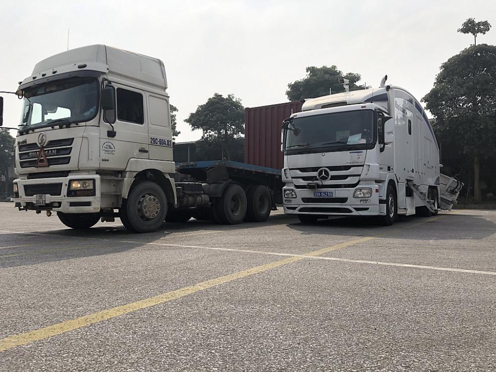 Hệ thống máy soi container di động của Hải quan Hà Nội. Ảnh: T.A
