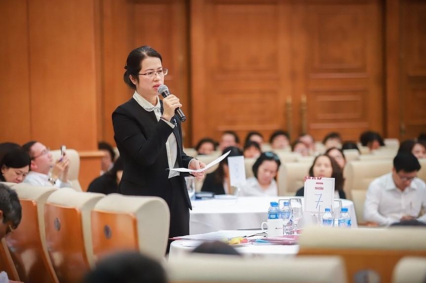 Phó Tổng Giám đốc Agribank Nguyễn Thị Phượng phát biểu tại Hội nghị  tập huấn công tác tiếp thị và truyền thông cho cán bộ Agribank toàn hệ thống.