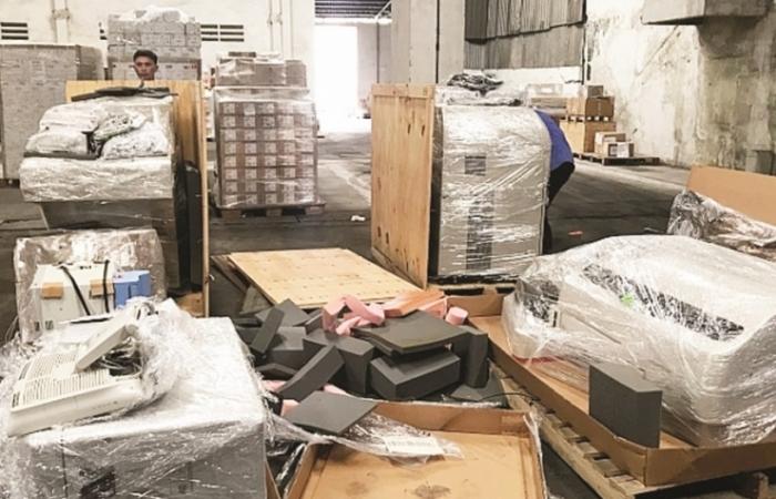 Vật tư nhập khẩu sản xuất, lắp ráp trang thiết bị y tế có được miễn thuế?